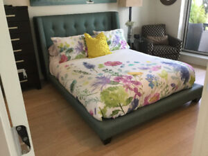 American Leather turquoise diamond-tufted queen platform bed