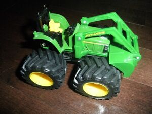 **Like New John Deere Toy Tractor--Great Toy!!**