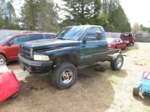 Paying Up To $400 For Junk Cars For Scrap Metal