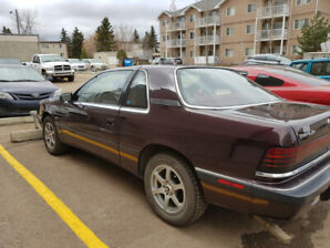 1991 Chrysler LeBaron, 2 door, V6, 91 000 km.