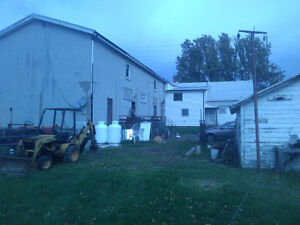 LOOK NEW PRICE!!! Handyman special, house with apartments Cornwall Ontario image 5