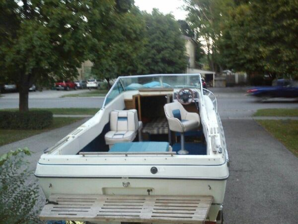 Used 1986 Rinker Boat Co cuddy caben