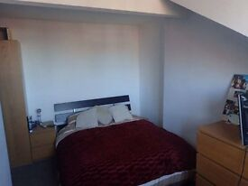 £350pcm ALL BILLS INCLUDED! - Double-Room in Houseshare available in Burley LS4
