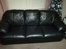 3seater black leather sofa for sale!!!