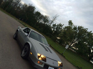 1985 camaro looking too sell or trade