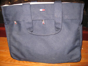 WOMANS DESIGNER BAG BABY DIAPER CARRING BAG Cambridge Kitchener Area image 1