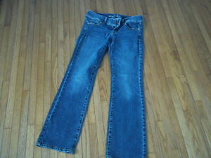 jeans (american eagle brand)