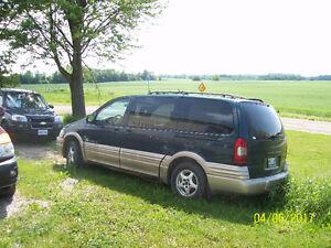 2001 Pontiac Montana ext Minivan, Van