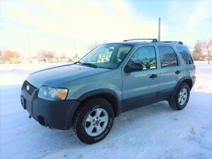 2005 Ford Escape XLT 4x4: Loaded  @ 1041 Marion st