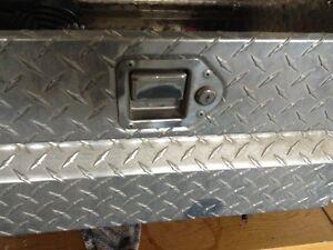 Truck tool box - black Friday deal Windsor Region Ontario image 3