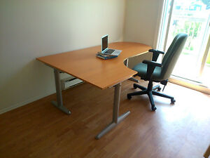 Large Ikea desk - Grand bureau Ikea