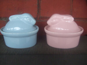 2 ceramic rabbit bowls for easter