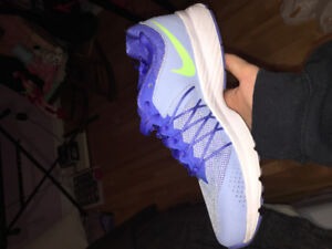 Size 8 Women's Nike Running Shoes