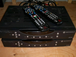 ROGERS CABLE BOXES WITH REMOTES SD
