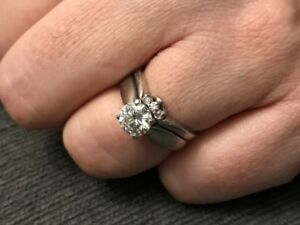 Diamond Solitare Engagement Ring and Wedding Band