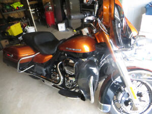 HARLEY DAVIDSON ULTRA LIMITED WITH NAV GPS