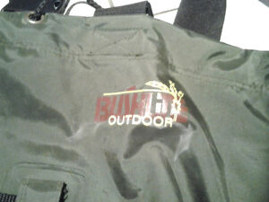 HUNTING/FISHING BUSHLITE CHEST WADERS SIZE 11 Windsor Region Ontario image 4