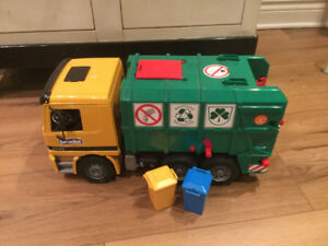 Bruder Camion de Recyclage / Recycling Truck