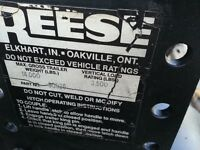 REESE 14000 lb Fifth Wheel Hitch
