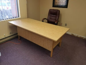 Executive Sized Office Desk, Used but in great condition