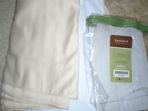 BEAUTIFUL BRAND NEW KING SIZE BEDSKIRT *** CAN DELIVER