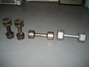 Dumbell,one 15 lbs,10 lbs and a set of 8 lbs ;nouveau prix