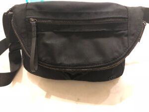 Lululemon Festival Crossbody Bag