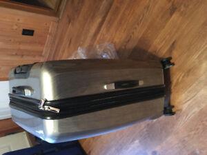 Double Four Wheels Suitcase