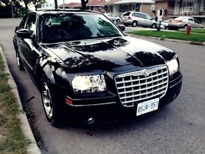 2006 Chrysler 300-Series Touring Sedan (SAFETY AND E-TESTED)