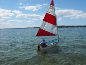Classic sailboat with sail, oars, electric motor and battery inc