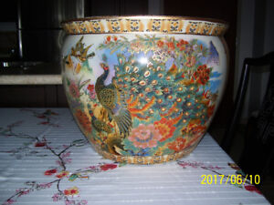 SET OF THREE BEAUTIFUL VINTAGE CHINESE PLANT POTS