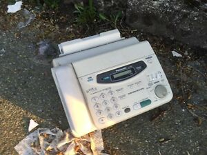 FREE FAX MACHINE !  (And a pile of other weird junk)