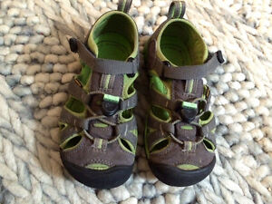 Boys sandals size 11 Keen sandals waterproof