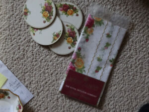 Royal  Albert  nrf package napkins 2    and  4  coasters