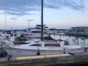EDEL 760 27 ft Sailboat, turn key, VERY CLEAN