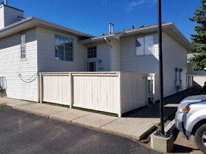 Renovated, best Location 3 Bedrooms Townhouse$ 1375