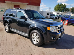 *2010 FORD ESCAPE LIMITED 4X4 , 6 MONTH WARRANTY & INSPECTION *