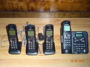 Téléphones PANASONIC sans fil (avec 3 combinés)