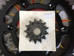 Primary drive sprockets