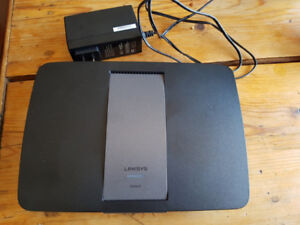 Router Linksys EA6400