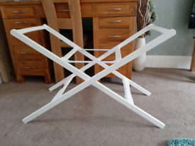 Moses basket / Carrycot stand - white