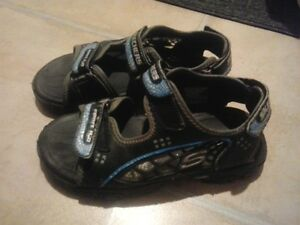 SIZE 3 SKECHERS Velcro Sandals
