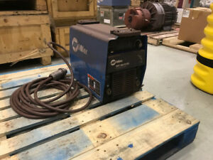 Miller Soudeuse/Welder XMT 304 CC/CV REPAIRS REQUIRED