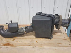 2013 Nissan air intake full assembly