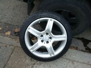 "Mercedes Benz 18"" wheel set with new tires"