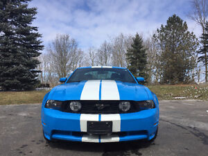 2010 Ford Mustang Premium Coupe (2 door)