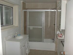 Large Bachelor - Heat and Hot Water Included - Central Location