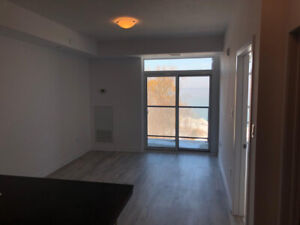Lake view 1 bed + Den condo for rent - Perfect for retirees