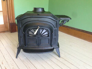 Vermont Castings Resolute W Wood Stove