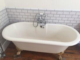 Antique style bath